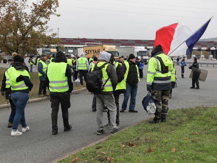 Gilets jaunes (MIC) : table ronde sur le commerce